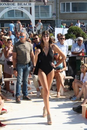 EVENTS_SWIMWEAR_LISE_CHARMEL_MONROE_6
